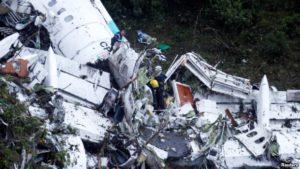 Restos del malogrado avión de LaMia que se estrelló en Colombia con el equipo de fútbol Chapecoense a bordo.